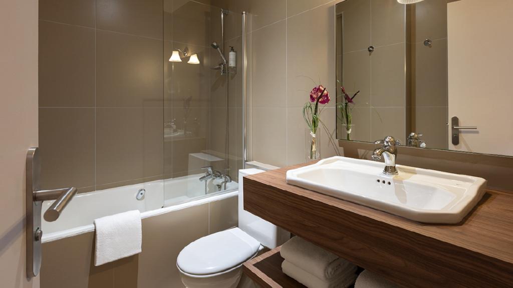 Maison-Barbillon-Hotel-Grenoble-Chambres-salle-bain