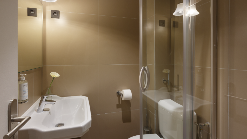 Maison-Barbillon-Hotel-Grenoble-chambre-single_Plan de travail 1